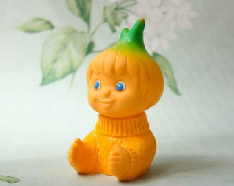 Cipollino The Onion Boy Toy / Vintage ЧИПОЛЛИНО Rubber Doll, Collectible Kitsch Vegetable Toy, Bath Toy, Chipollino