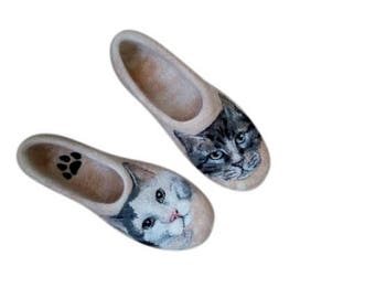 Unique wedding gift for cat lover Personalized pet art Custom cat portrait painted shoes Felt slippers cat Handmade wool shoes Animal