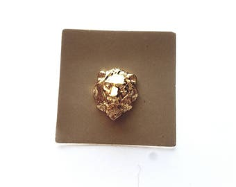 Vintage AVON Gold Lions Head Tacky Pin, Pin Back, Scatter Pin in Original Box