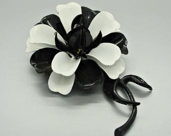 Vintage Black and White Flower Brooch Flower Jewelry Retro Fashion