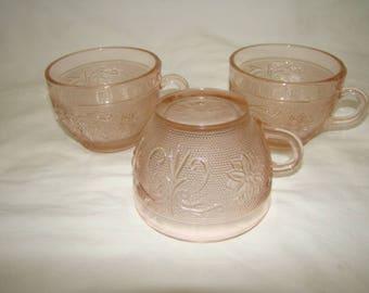 VTG Tiara Sandwich Peach Pink Glass Crystal Textured Cups Mugs Set of 3