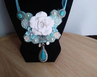 turq white rose necklace