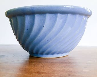 "Vintage Watt Pottery 9"" Blue Swirl Yellowware Mixing Bowl ""OVENWARE USA 9"""