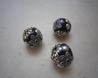 Round black beads, metal - set of 3 decor