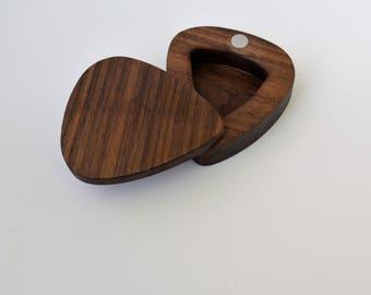guitar pic holder, guitar pic box, guitar pic case, guitar pic, guitar
