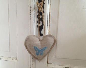 Small linen patterned butterflies hearts