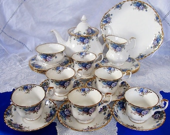 Immaculate ROYAL ALBERT Moonlight Rose Tea Set 22 pieces, Perfect Gift