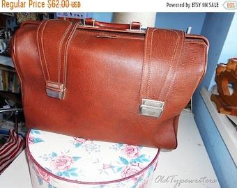 40% SALE Vintage Faux Leather Big Bag. Brown/Cognac Eco Leather Bag. 1970s.