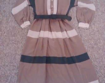 Vintage 80's Burberry look. Dress sz med