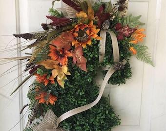 Fall Horse head wreath. Harvest Horsehead wreath. Fall equestrian Decor.  Autum equestrian gift. Artificial Horse Head wreath.