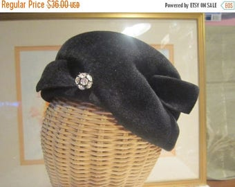 Black Velour Cloche Hat Vintage 1940's Rhinestone Wing Bow Union Made Formal Millinary Accessory Collectible-Hat052