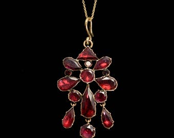 Antique Georgian Flat-Cut Garnet Pendant in Rose Gold, c1820
