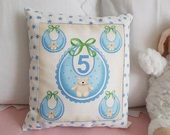 Cushion awakening blue bib