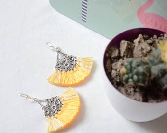 Solar chic Yellow fringe earrings