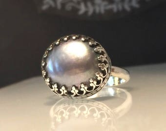 Grey Pearl Ring./Solitare Pearl Ring/Pearl Crown Ring/Handcrafted Pearl Silver Ring/Free Shipping In the US.