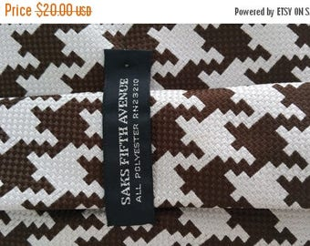 End of Summer Saks Fifth Avenue Brown Houndstooth Necktie