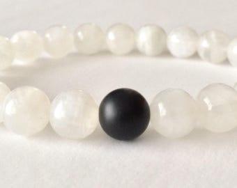 Moonstone Bracelet, Yoga Bracelet, Meditation Bracelet, Crystal Healing, Fertility Bracelet, Childbirth Bracelet, Beaded Bracelet