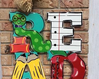 Teacher door hanger, read door hanger, worm door hanger, classroom decor, classroom door hanger, school door hanger, school door wreath