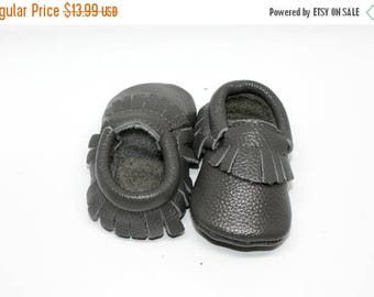 SUMMER SALE Grey Baby Moccasins // Grey Toddler Moccasins // Baby Boy Moccasin // Baby Mocassin // Baby Girl Moccasin // Neutral Baby Shoe