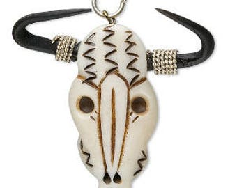 Focal Steer Skull,  Bone Bull Skull, Southwest Charm, Drop, Skull Pendant, 55x45mm, 1 each, D1059