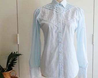 Vintage Blouse, 70s Pale Mint Retro Blouse - Embroidery Englaise Trim Pretty Shirt - XXS