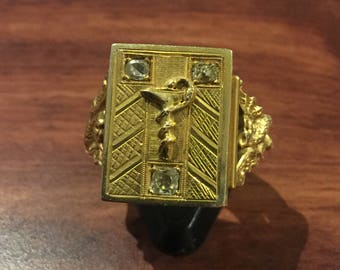 An Important and Heavy Art-Deco Compartment Gold & Diamond Gents' Signet Ring