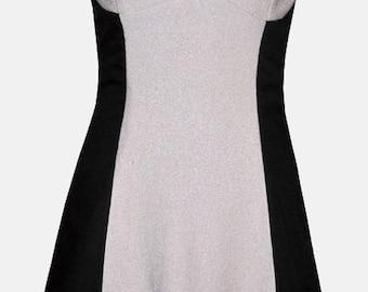 Short dress in wool size 42, neckline