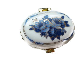 """french vintage - """"Bouquet of flowers"""" Oval pill box"""