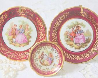 Set of Three Vintage Limoges Porcelain Miniature Plates with Fragonard Decor, Gilded Rims, France