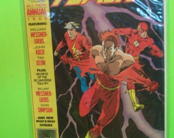Flash Annual #3 (2nd Series) 3 Flashes On Cover Wally West, Jay Garrick , Barry Allen G-VG Cover Creases Vintage Comic Book 1989 DC Comics