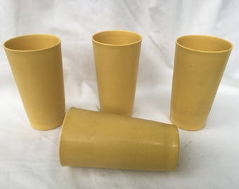 Lot of 4 Harvest gold Tupperware tumblers. 12 ounce Tupperware tumbler cups. Unbreakabke Tupperware. Harvest gold.