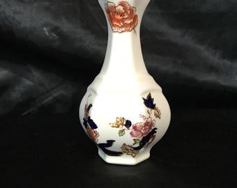A Mason's quaint vase in blue Mandalay