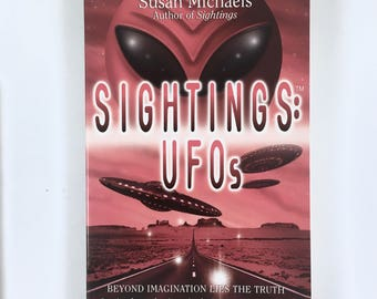 UFO Sightings, Flying Saucers TV Series Vintage Book, Alien Abduction, Encounters, UFO Reports, Photos, Images, The Truth Is Out There