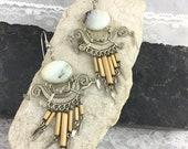 Vintage Southwest Style Engraved Silver Tone Dangle Drop Earrings White Marbled Stoner Bamboo Fringer