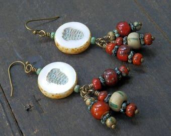 Faux trilobite earrings / Aretes de trilobitas (de mentira :))