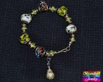 Light Bulb Green Glass Bead Bracelet