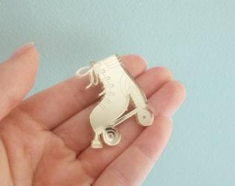 Lasercut brooch rollerskate | GOLDEN MIRROR acrylate pin