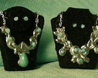 1:12 Dollhouse Miniature Necklaces on a Pair of Display Stands DI JK018