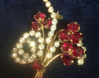 Red diamonte flower brooch***