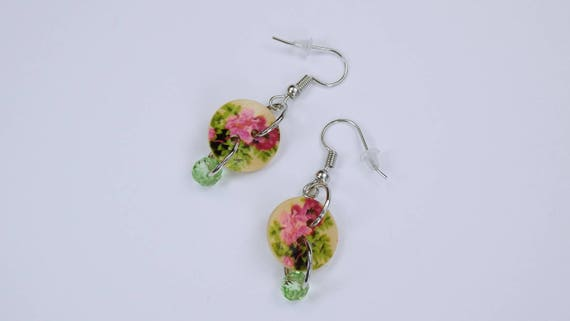 Earrings Pink flower and green pearl button earrings on silver earrings wooden pendant earrings Jewelry Mother's Day green Flowers Oktoberfest