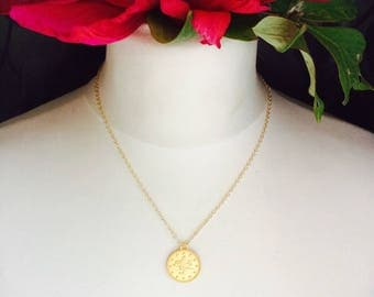 Necklace Aleyna, medal. Sophisticated and feminine amid gold plated