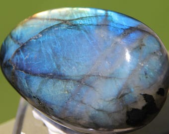 Pebble labradorite with blue highlights