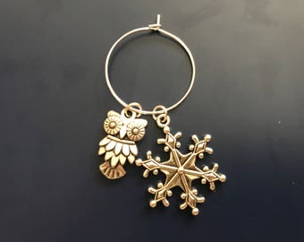 Wine charm with a silver owl and silver snowflake charm