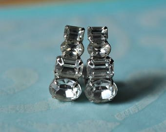 Vintage Rhinestone Clip On Earrings, Bridal Earrings, Wedding Earrings, Clear Earrings, Rhinestone Earrings, Vintage Earrings  GS991