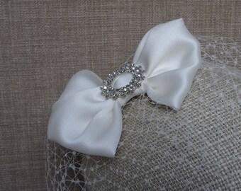 Ivory birdcage veil, bridal fascinator, Gazar silk bow, bridal hair clip, blusher veil, wedding veil with detachable bow - IV52