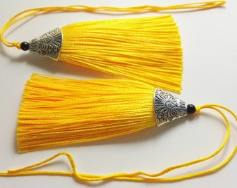 5 pcs  Yellow Tassels , Mala Tassels , tassel charms, jewelry tassels ,Decorative Tassels ,Antique Silver Cap Silk Tassels Charm
