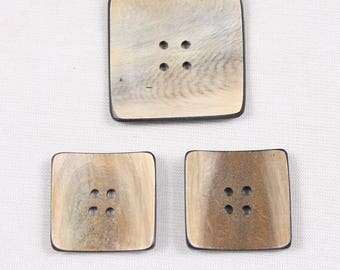 Horn button square, 22mm or 30mm, 4 holes (am 2012)