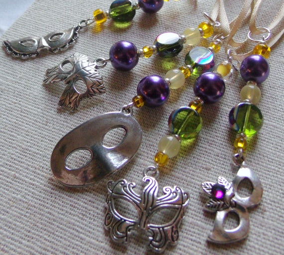 Mardi Gras ornaments 5 piece set - mini tree decorations - purple gold green charms - masquerade - masks - Venice - parade favors - zip pull