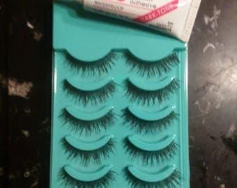 5 Sets of Eyelashes & Eyelash Glue (dark)