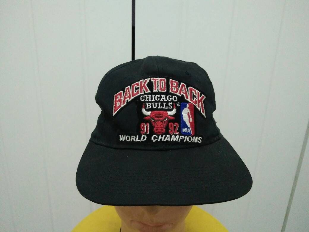Rare Vintage Sports Specialities CHICAGO BULLS Back To Back 91 -92  World  Championship 4a535e71afc1